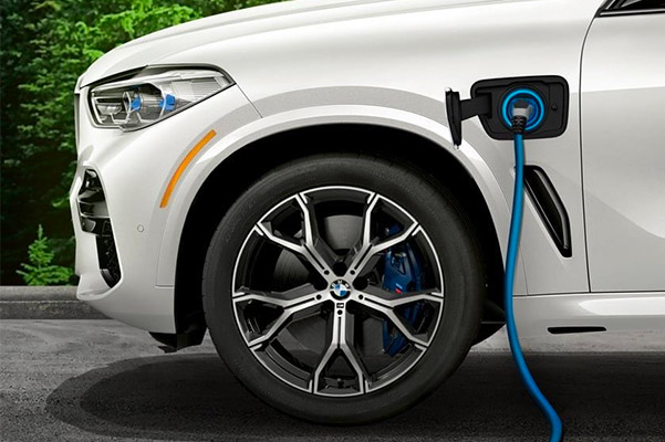 Detail of 2021 BMW X5 xDrive45e charging up
