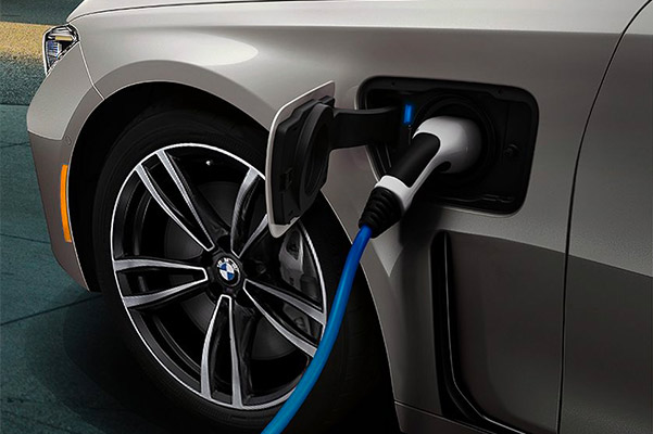 The 2021 BMW 745e xDrive plug-in hybrid charging