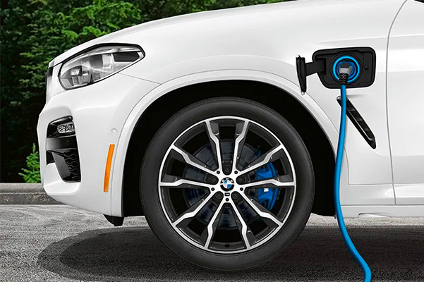 The 2021 BMW X3 plug-in hybrid charging